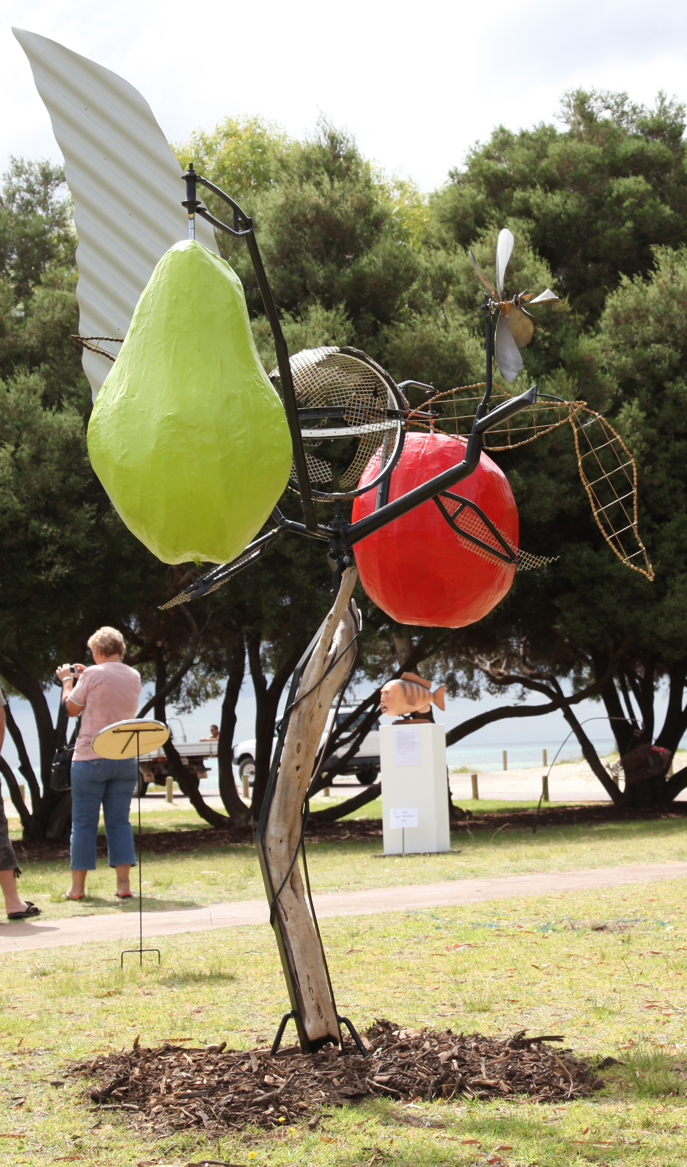 Apple&Pear GB Sculpture 2011